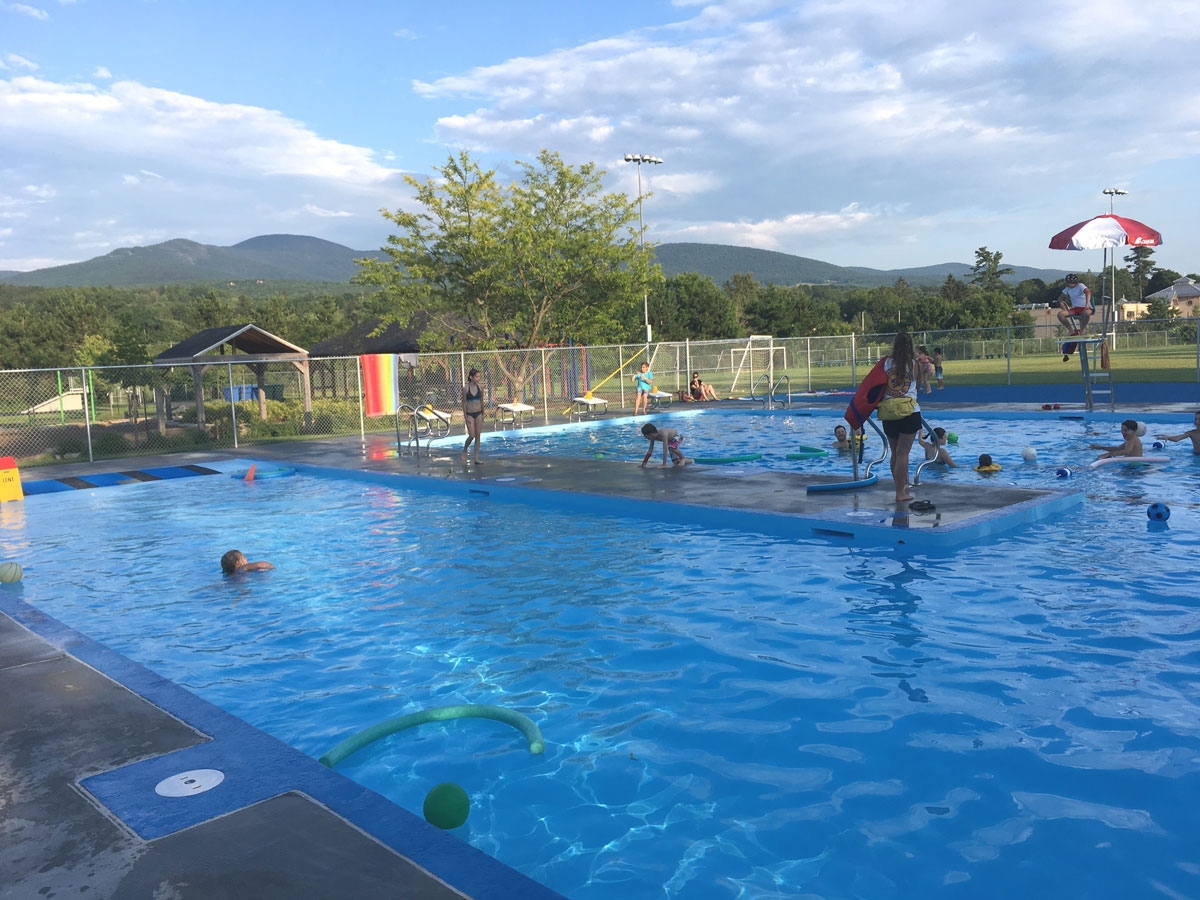Jeux d'eau et piscine municipale Ville de Sutton