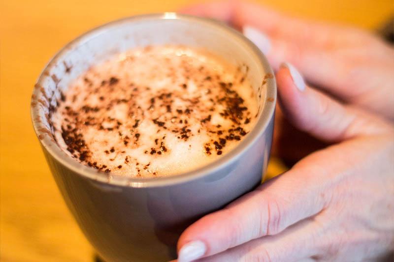 Le meilleur chocolat chaud est au Pleasant Hôtel & Café!
